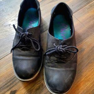 Blowfish Malibu black lace up shoes